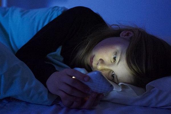 cep telefonu uyku