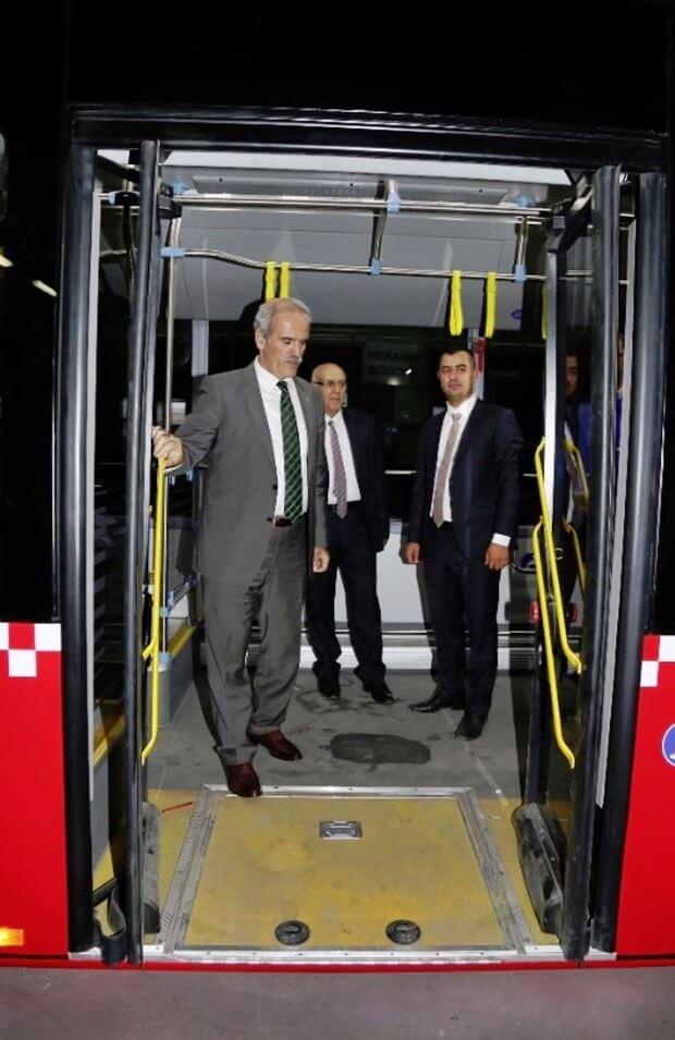 akia-metrobus-7